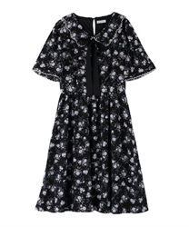 Rose pattern dress with collar(Black-Free)