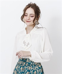 Bowtie blouse with embroidery(Ecru-Free)