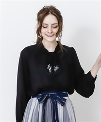 Bowtie blouse with embroidery(Black-Free)