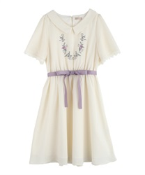 Flower embroidery dress(Ecru-Free)