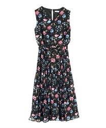 Flower Print Chiffon Pleated Dress(Black-Free)