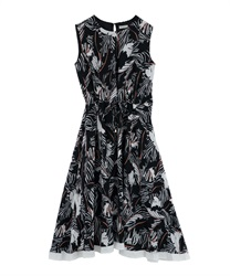 Leaf Pattern Dropped Dress(Black-Free)