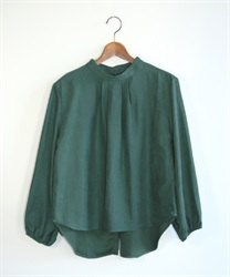 Back button pullover