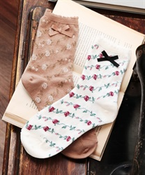 Roses stripe pattern socks