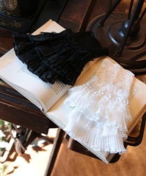 Lacy pleated cuffs