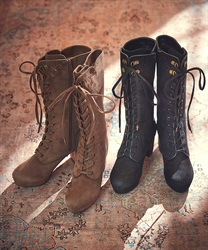 Embroidery lace-up boot