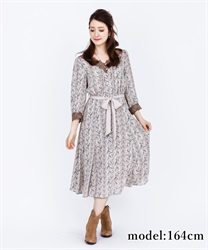 Lily Pattern Long Dress(Beige-Free)