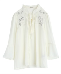 Lily Embroidery Bell Sleeves BL(Ecru-Free)