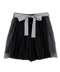 Pleated Shorts with Side Lace(Black-Free)