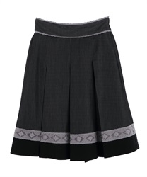 【MAX70%OFF】Bi-color skirt with lace at hem(Black-Free)