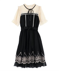 Dress with embroidered hem(Black-Free)