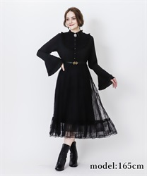 Cameo brooch onepiece(Black-Free)