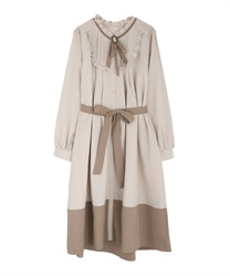 Bicolor dress with brooch(Beige-Free)