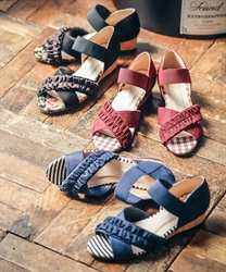 Cross-belt wedge sandals
