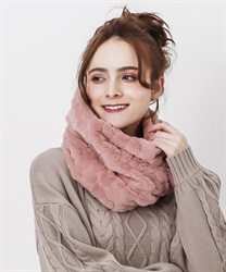 Heart fur snood