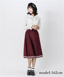 Line designed knit skirt(Wine-Free)