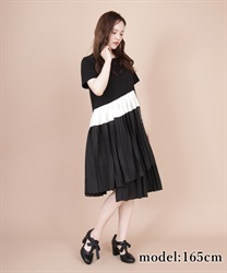 Different Material x Pleated T-Shirt Dress(Black-Free)