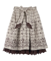 Panel embroidered skirt with ribbons(Beige-Free)